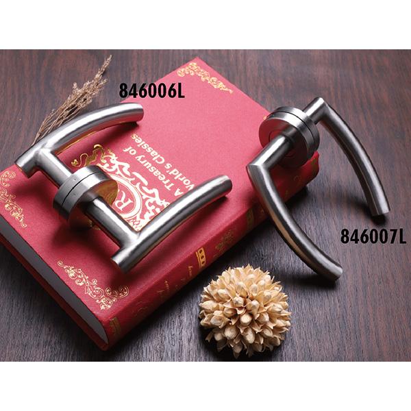 Stainless Steel Door Handle (846-P57-2)